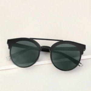 Shein Womens To Bar flat lenses sunglasses w/ case